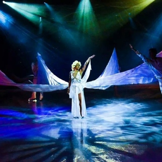 Jessica Sergeant performs during the ice show.